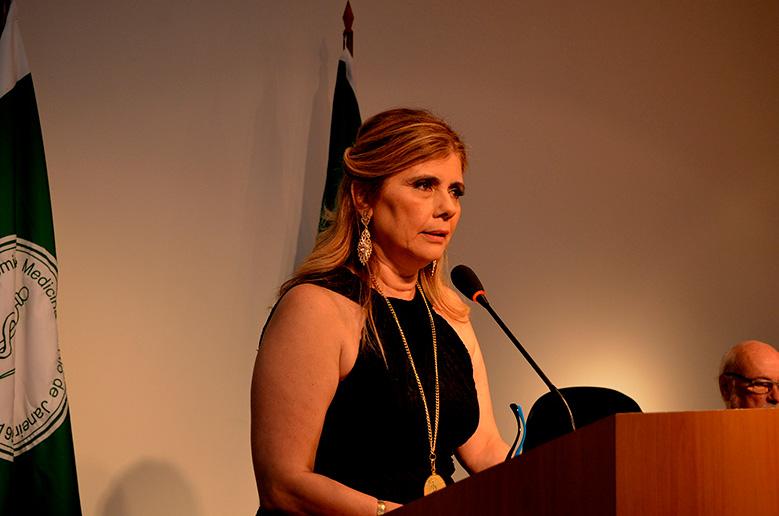 Selma Sabrá, professora de Medicina da Unigranrio, toma posse na Academia Brasileira de Médicos Escritores